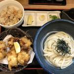 讃岐麺屋 あうん - 料理写真:鳥天ぶっかけ冷 かやくご飯