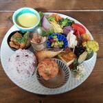 プイコット - 料理写真:たっぷり野菜のデリごはん