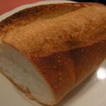 ビストロ トゥ ソル - フランスパン
