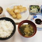 九十九亭食堂 - 料理写真:天ぷら定食 550円 + もつ煮 400円