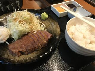 牛かつ冨田 - 牛かつ麦飯セット(130㌘)