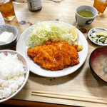 おかざき - 料理写真:にんにくチキンカツ定食 ¥1,320-