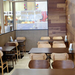ディア ディア - 明るくシンプルなカフェ空間