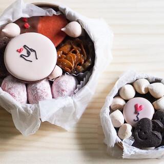 マフィンアンドスイーツエムシーアパートメント - 料理写真:クッキー缶大小