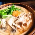 うどん はるかぜ - 牡蠣と豚バラとセリの鍋焼きうどん(季節限定)