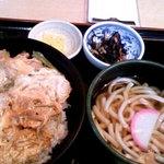 1456228 - 親子丼定食