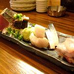 遊和食 きときと - 刺身5点盛り+1(二人前) 2480円 奥から、たいら貝、ほっけ、かつお、サバ、たちうお、ぶり