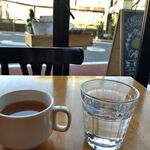 Mark Matsuoka Grill Beef & Wine - 道路の向こうは目黒川