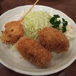 とんかつ 燕楽 - 料理写真:コロッケ定食。揚げ色、綺麗ね。