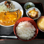 久留実 - 料理写真:オムカツカレーかけ