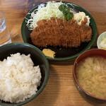 双葉食堂 - 料理写真:チキンカツ定食 750円