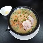 麺家 鶏処 - みそ野菜 830円