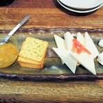 かれんす居酒屋 - チーズ盛り合わせ