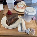 いちびこ - * いちごショコラショートケーキ 650円 * オーガニックティー HOT 420円
