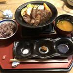 粟 - 大和牛のリブロースステーキ