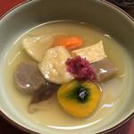 粟 - 炊合せ 吉野の本葛を使ったあん、紅芯大根、氷豆腐、月ヶ瀬こんにゃく、ろろんかぼちゃ、粟の揚げ餅