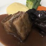 Brasserie VIRON - 牛肉の赤ワイン煮込み