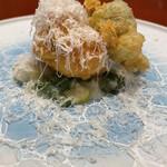 うめもと - 雲子と蕗の薹のフリット パルミジャーノチーズ掛け 九条ネギと里芋