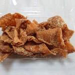 中津からあげ もり山 - 鶏皮せんべい(432円)