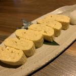 炉端と肉割烹 笹揶 - 出汁巻き玉子