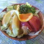 サンジェルマン - 付け合せのサラダ(大きい!)