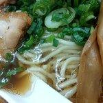 ななまる - 中華そば(鶏ガラと魚介のWスープ)