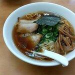 ななまる - 中華そば(鶏ガラと魚介のWスープ) 税込750円