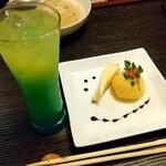 ビストロ村一番 - ¥300デザート   手作りオレンジチーズケーキとアイスクリーム