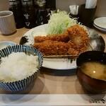 とんかつ神楽坂さくら - 三元豚ヒレかつ定食、牡蠣フライ