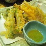 14571841 - 夏野菜の天ぷら 925円