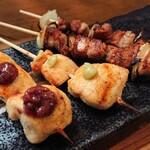 もり蔵 - 料理写真:ささみ(味噌ダレ、わさび)と、豚バラの串焼き