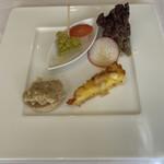 ソーサリート - 前菜 ピクルス、生野菜、鯖のリエット、キッシュ