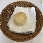 ソーサリート - 丸白パン雑穀入り