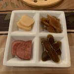 Cray pod curry Ohmiya Seiuemon - 漬物4種
