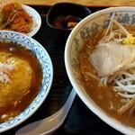 あじへい - 味噌ラーメン&ミニ天津飯のセットです。