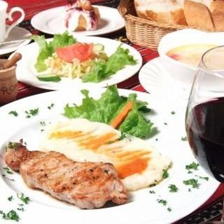 ビール飲み放題プランご用意しております☆ルーマニア料理とご一緒にお楽しみください!