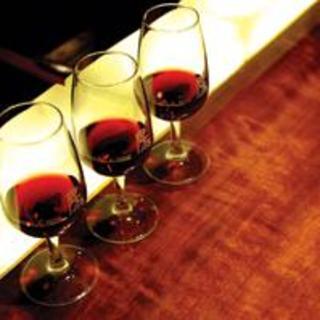 ワインのテイスティングセットも