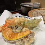 145778794 - 海老と野菜の天ぷら