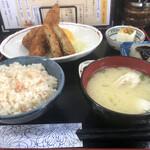 ひさや - 料理写真:ミックスフライ定食¥913+追加¥242