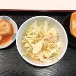 まる飯 - セットのサラダなど