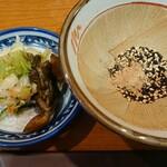 とんかつ とん喜 - 料理写真:お新香&胡麻