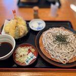 久兵衛屋 - 料理写真:天ざるそば(814円税込)