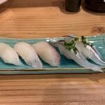 淳ちゃん寿し - 白身3カン(平目、タイ、カンパチ)と細魚