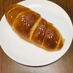LULU - 塩パン   ¥90+税なり