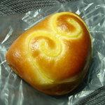 1458486 - クリームパン。