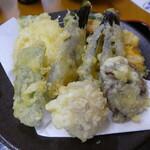 川音亭 - 野菜の天ぷらもたっぷり!
