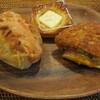 石窯パン工房 キャパトル - 料理写真:ポテト明太、クリームチーズ、半熟たまごカレー