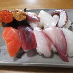味秀 - おまかせ寿司(上)です。