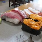 味秀 - 追加でハマチ、たこ、うにのにぎり寿司を注文しました☆