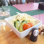くまキッチン - 血糖値の上昇を考えて サラダから(*゚▽゚*) 卓上のドレッシングにて